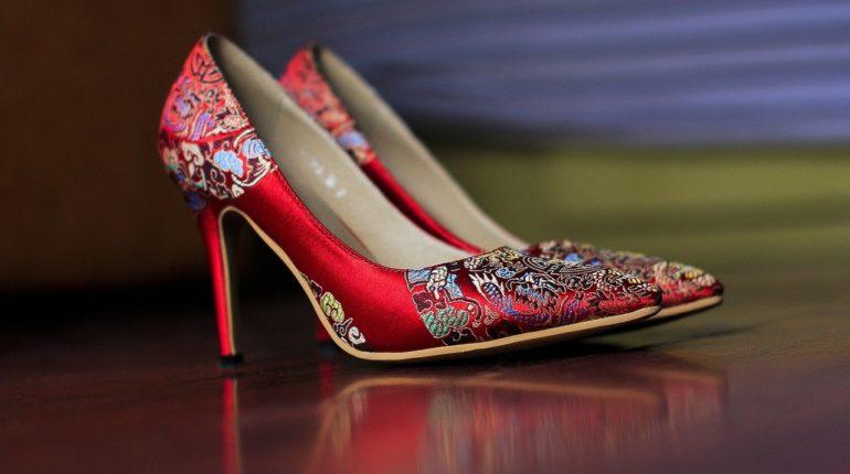 Quelles chaussures pour une femme ronde